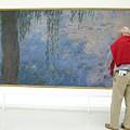 Admiring Fine Art by Ann Horn