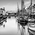 All Quiet In Nyhavn by Michael Niessen