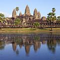 Angkor Wat by Liz Pinchen