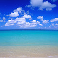 Aruba Sky And Sea by Robert Ponzoni