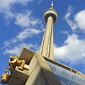 Audience Sculpture And The Cn Tower by Lingfai Leung