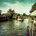 10946 Cruising On The Grand Union Canal by Colin Hunt