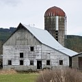 Barn And Silo by Laurie Kidd