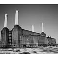 Battersea Power Station by Yanice Idir