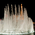 Bellagio Fountains Night 3 by Andy Smy