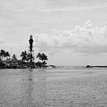 Black And White Lighthouse by Rob Hans
