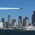 Blue Angels Over Seattle D028 by Yoshiki Nakamura