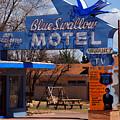 Blue Swallow Motel On Route 66 by Susanne Van Hulst
