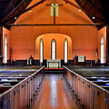 Bluffton Sc Church Of The Cross Sanctuary by Lisa Wooten