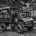 Bnw Mercedez Benz by Totto Ponce