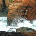 Boiler Bay Waves by Methune Hively