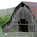 Boxley Valley Barn by Mary Halpin