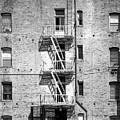 Brick Appartment by Viktor Savchenko