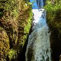 Bridal Veil Falls, Oregon by Aashish Vaidya