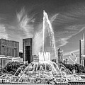 Buckingham Fountain Skyline Panorama Black And White by Christopher Arndt
