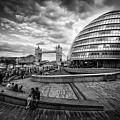 Bustling London by Kelvin Trundle