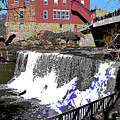 Chagrin Falls  by Charles Shoup