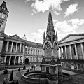 chamberlain memorial in chamberlain square with Birmingham museum and art gallery and town hall UK by Joe Fox