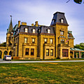 Chateau-sur-mer by Ches Black