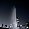 Chicagos Buckingham Fountain Bl And W Portrait by Steve Gadomski