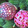 Christmas Dots No. 1-1 by Sandy Taylor
