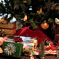 Christmas Memories by Suzanne Gaff