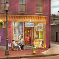 City - Annapolis Md - Tutti Fruitti Couples by Mike Savad