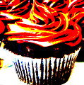 Contrasted Cupcake by Stephanie Campbell