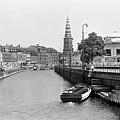 Copenhagen Canal 1 by Lee Santa