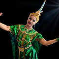 Cultural Thai Dance by Ian Gledhill