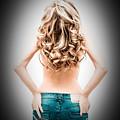 Curves by Gabriela Insuratelu