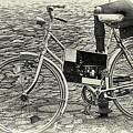 Das Alte Fahrrad Old Bicycle by Eva-Maria Di Bella