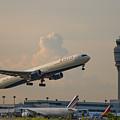 Delta Airlines Boeing 767 432 Er Hartsfield Jackson Atlanta International Airport Art by Reid Callaway