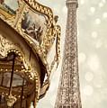 Eiffel Tower by Juli Scalzi