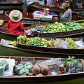 Floating Market by Jirawat Cheepsumol