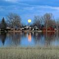 Full Moon Silver Lake by Suzi Holland