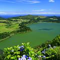 Furnas Lake by Gaspar Avila