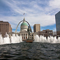 Gateway Arch And Old Courthouse In St. Louis by Sven Brogren