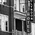 Glyndon Hotel by David Bearden