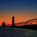 Grand Haven Light House by Robert Pearson
