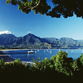 Hanalei Bay Boats by David Cornwell First Light Pictures Inc - Printscapes