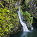 Hanawai Waterfall by Greg Vaughn - Printscapes