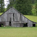 Holey Old Barn  Washington State by Laurie Kidd