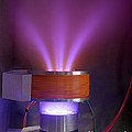 Hollow-anode Nitrogen Plasma Source by Science Source