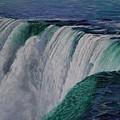 Niagara Falls The Horseshoe by Bob Williams