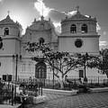 Iglesia Ciudad Vieja - Guatemala Bnw by Totto Ponce
