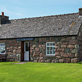 Iona Gallery And Pottery by Bob Phillips