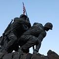 Iwo Jima Memorial by Alan Espasandin