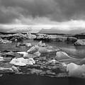 Jokulsarlon Glacier Lagoon Iceland 2041 by Bob Neiman