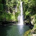 Kaiate Falls by Martin Capek